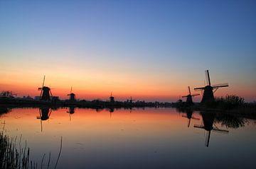 Zonsondergang Molens Kinderdijk II von Watze D. de Haan