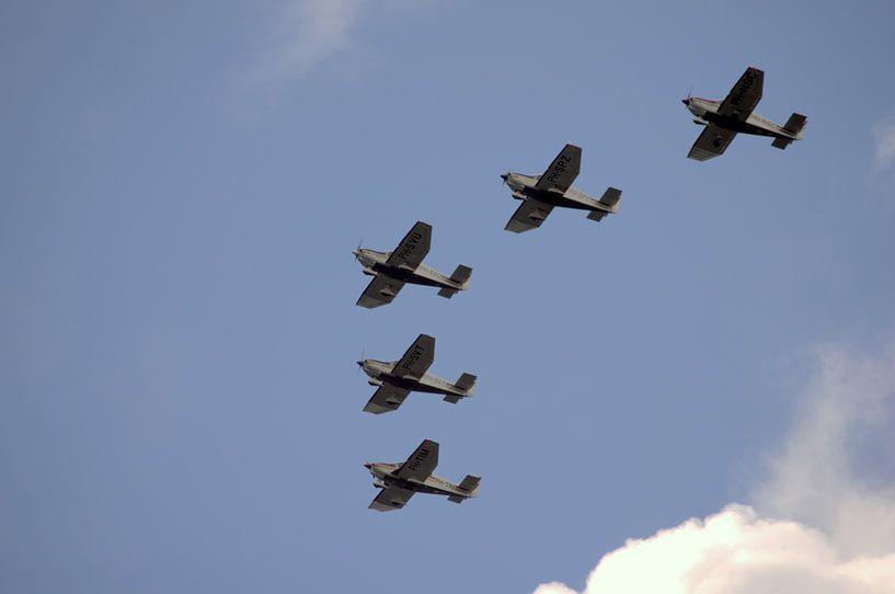 5 flew over the ...... van Arnold de Gans