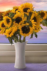 Stilleven en landschap (zonnebloemen) van Elianne van Turennout