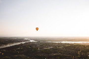 Luchtballon boven de Drechtsteden van Moniek Kuipers