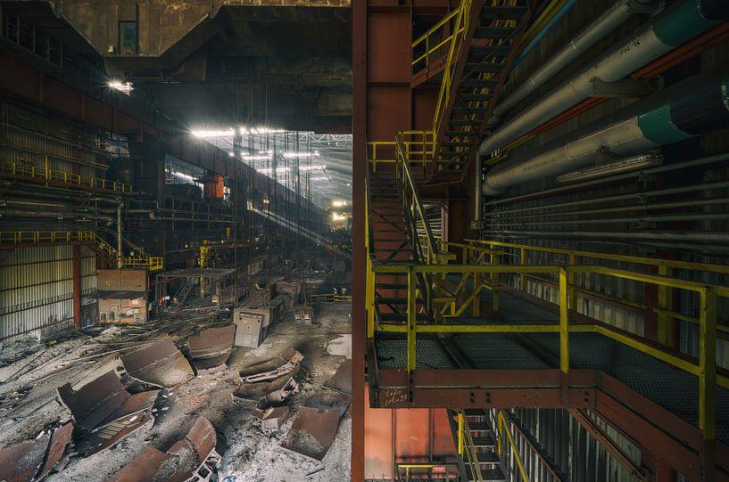 Große verlassene Stahlfabrik | Urbex Fotografie von Steven Dijkshoorn