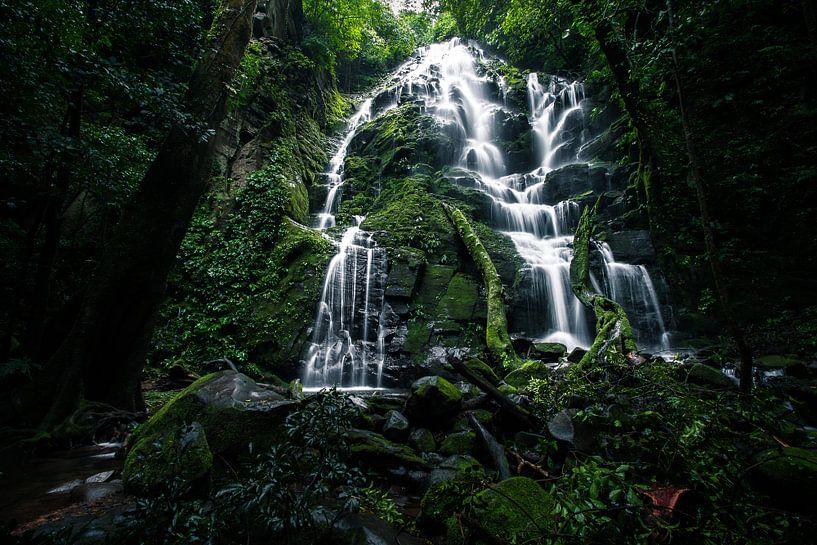 Waterval in Rincon de la Vieja, Costa Rica van Martijn Smeets