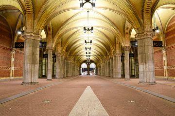 De passage bij het Rijksmuseum - Amsterdam, Nederland van Maurits Simons