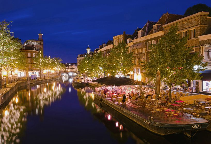 Leiden during the twilight hour sur Remco Swiers
