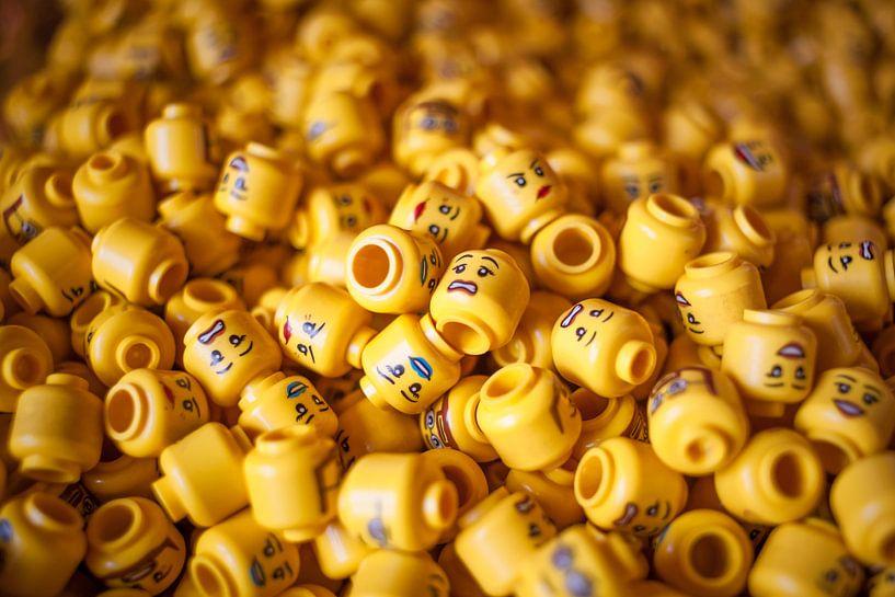 Lego hoofdjes van Marco van den Arend
