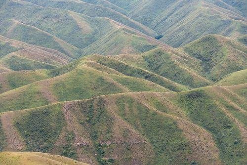 Bergen in Kirgizstan van Daan Kloeg