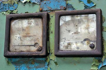 Anzeige von einem Messgerät an einer Maschine von Heiko Kueverling