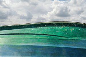 Wolken en boot horizon van Tot Kijk Fotografie: natuur aan de muur