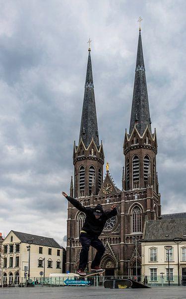 Skateboarden op D'n Tilburgse Heuvel van Freddie de Roeck