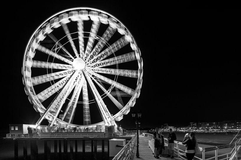 Reuzenrad op Scheveningse Pier van Raoul Suermondt
