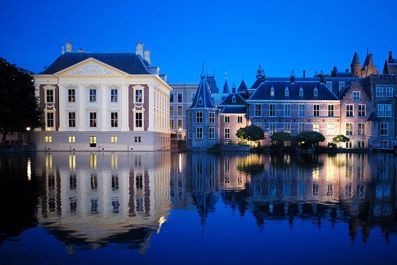 Mauritshuis und 2. Zimmer am Hofteich im Dunkeln von Atelier Liesjes