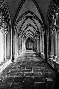 De Pandhof van de Domkerk in Utrecht (2) in zwart-wit van De Utrechtse Grachten