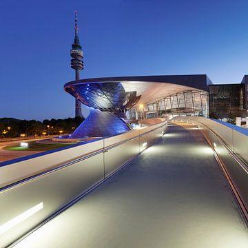 BMW Welt mit Fernsehturm, München, von Markus Lange