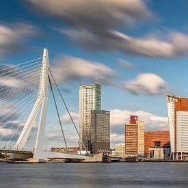 Kop van Zuid en Erasmusbrug in Rotterdam van Frans Lemmens