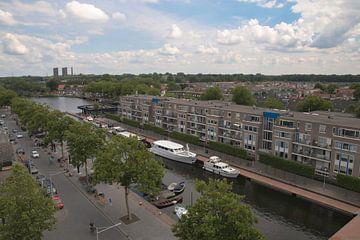 Panorama skyline van Tilburg gezien vanaf de Piushaven