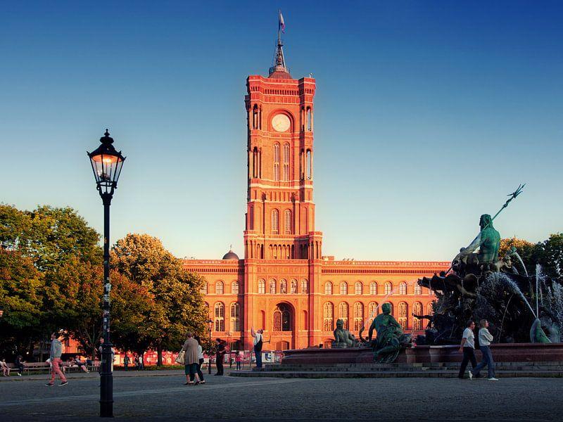 Berlin – Red City Hall / Neptune Fountain van Alexander Voss