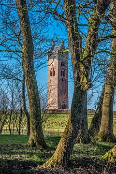 Kerktoren van het Friese dorpje Firdgum van Harrie Muis