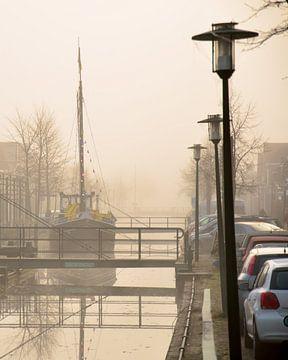 Schip in centrum Gorredijk. van