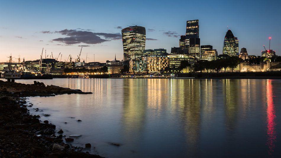 Thames Skyline van Scott McQuaide