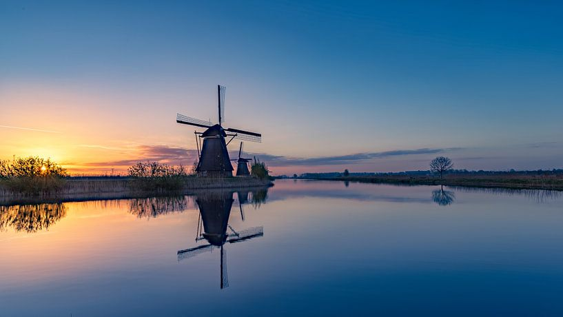 Sunrise @ Kinderdijk van Michael van der Burg