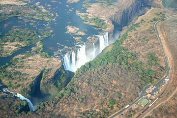 Victoriawatervallen op de grens van Zambia en Zimbabwe van Merijn Loch