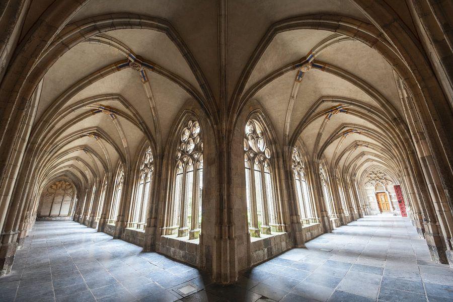 Kruisgang van het Pandhof te Utrecht van Juriaan Wossink