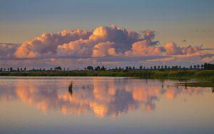 Wolken boven het Dannemeer Slochteren van Marga Vroom