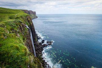 Ein Blick auf den Kilt Rock in Schottland von Fabrizio Micciche