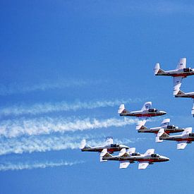 "AIRSHOW  ""THE SNOWBIRDS"" AIRDRIE BC CANADA sur Roelof Touw"