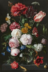 Stilleven met bloemen in een glazen vaas van