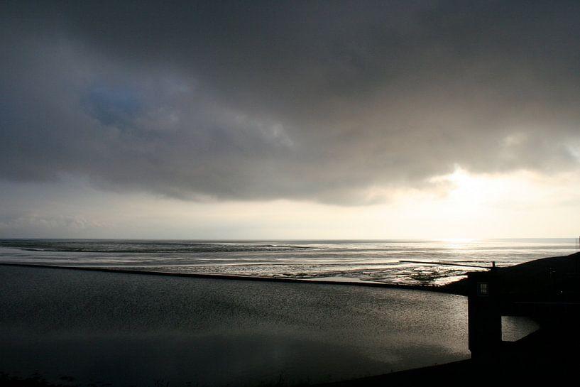 Donkere  wolken boven ' t Kuintje van Jan Mulder