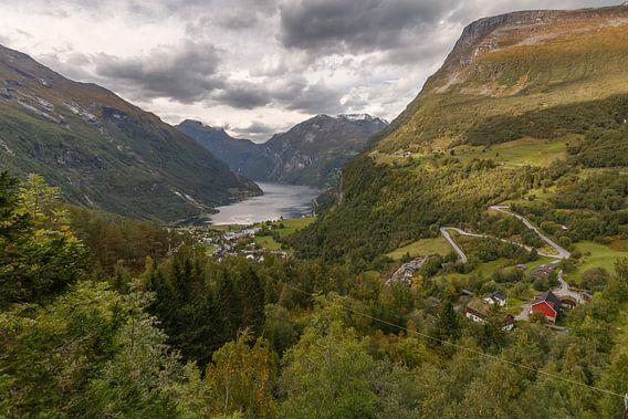 Geirangerfjord Noorwegen van Menno Schaefer