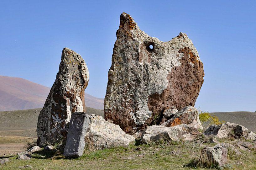 Zorats Karer, Stenen van Macht, Armenië (2) (colour) van Anne Hana