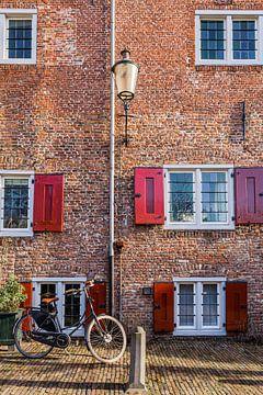 Mittelalterliche Häuserfassade am Muurhuizen in Amersfoort, Niederlande von Mayra Pama-Luiten