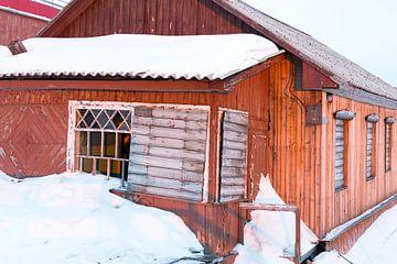 oud huis in Barentsburg von Marieke Funke