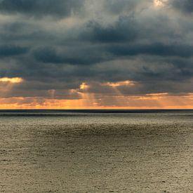 Donkere luchten boven de zee sur Gertjan koster