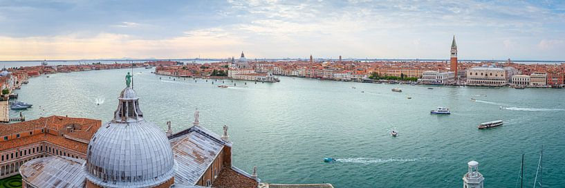Panorama van Venetië van Arja Schrijver Fotografie