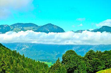 Bergen in de wolken von Sharon Jansen