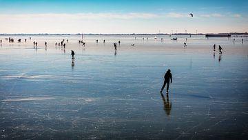 Schaatsers op het Hoornse ijs van Jan van der Knaap