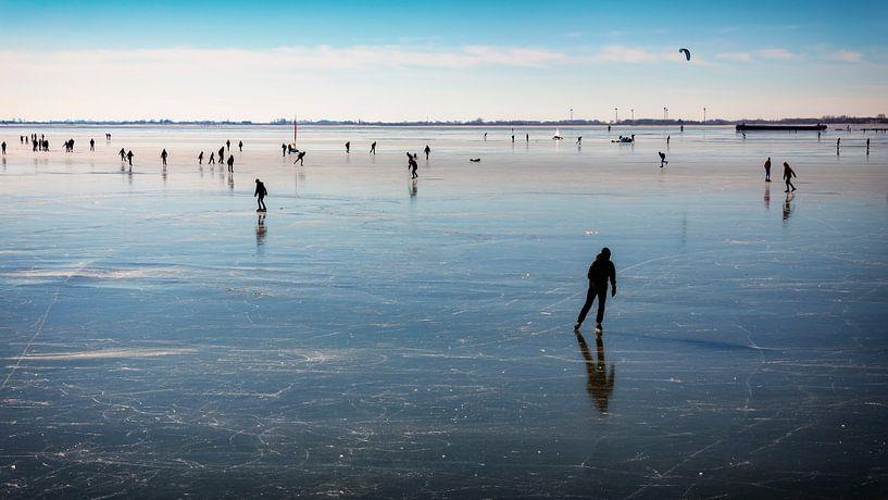 Les patineurs sur la glace de Hoorn sur Jan van der Knaap