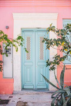 Blauwe Deur, Roze Muur van Patrycja Polechonska