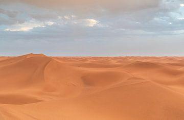 Ansicht Sahara-Wüste (Erg Chegaga -Marokko) von Marcel Kerdijk