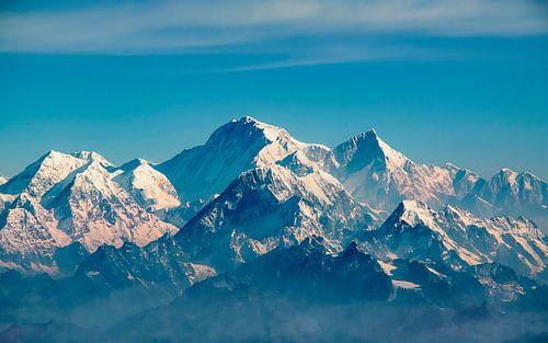 Besneeuwde bergtoppen in de Himalaya, Nepal