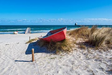 Fischerboote an der Ostseeküste bei Zingst auf dem Fischland-Darß von Rico Ködder