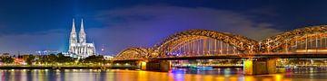 Kölner Dom und Hohenzollernbrücke bei Nacht von Günter Albers