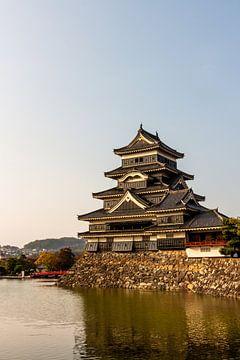 Schloss Matsumoto am Abend von Mickéle Godderis