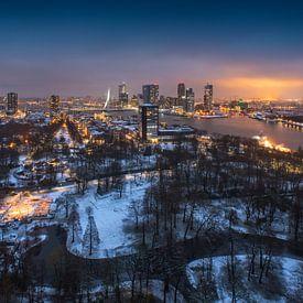 Sneeuw in Het Park! Rotterdam | Euromast van Rob de Voogd / zzapback