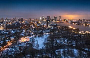 Snow in 'The Park' of Rotterdam | winter panorama sur Rob de Voogd / zzapback