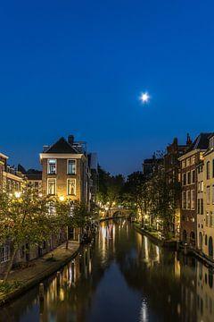 Nachtportret van Utrecht van mike van schoonderwalt