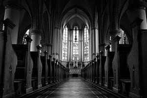 Kerkinterieur van Bart van Uitert